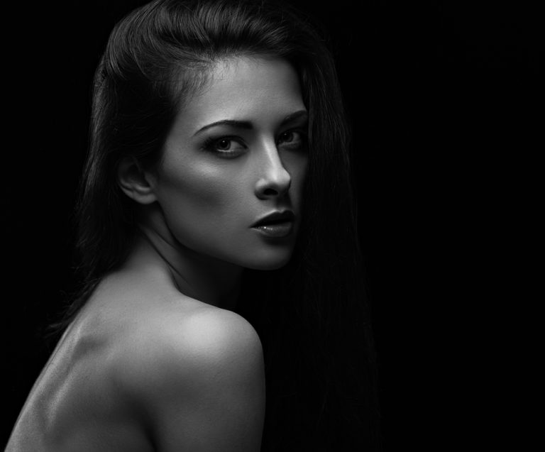 woman showing facial contours
